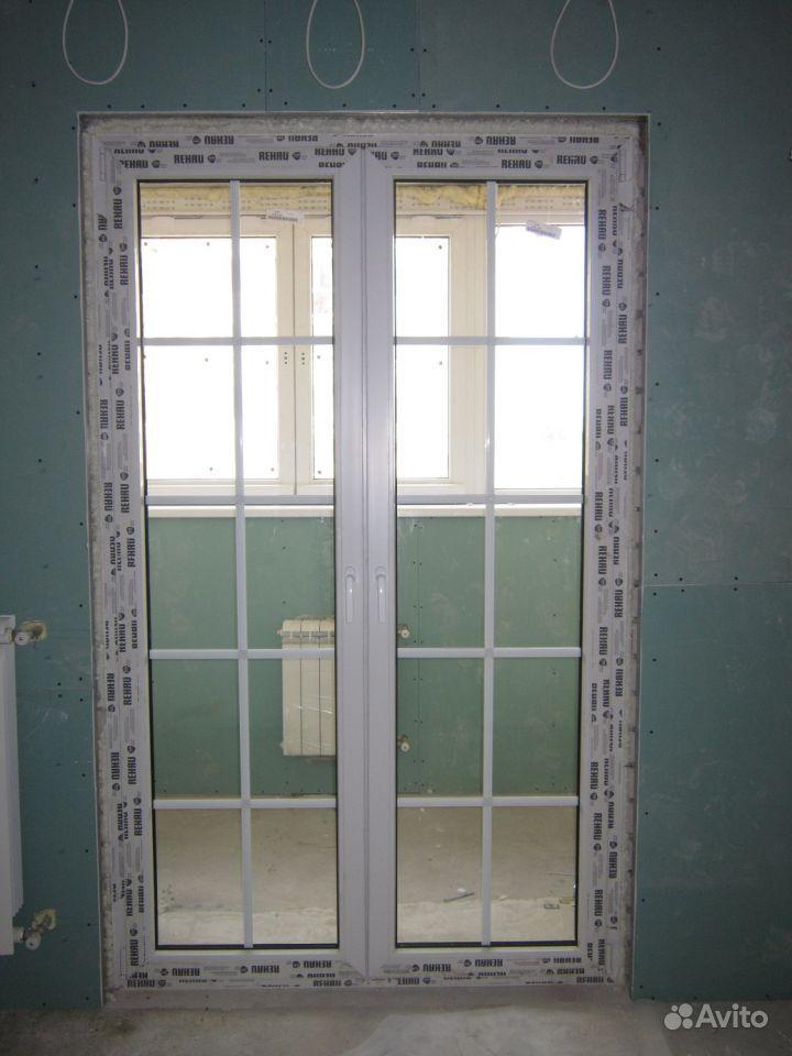 Образцы остекления распашных балконных дверей двухстворчатых.