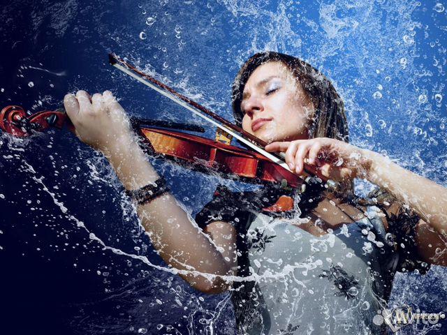 Скачать фото скрипка девушка, креативные обои, Девушка скрипка вода, скрипа