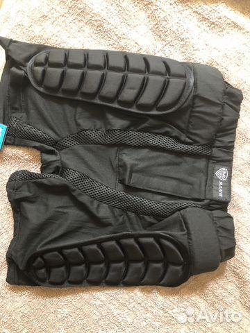 Защитные шорты для сноуборда купить в Краснодарском крае на Avito ... 4a9b1b5feb9