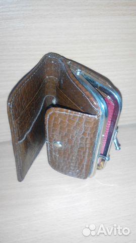 eeafa64b0797 Интересная сумочка-клатч с кошельком. У сумочки 2 отделения. Кошелек внутри  пристегивается к клатчу на 2 кнопки.Кож.зам, тиснение под крокодила .