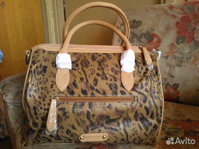 На торжковском рынке можно купить сумку в питере