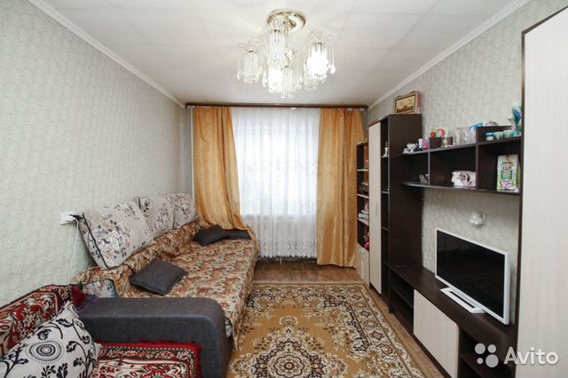 Продается двухкомнатная квартира за 2 400 000 рублей. Спортивная,11.