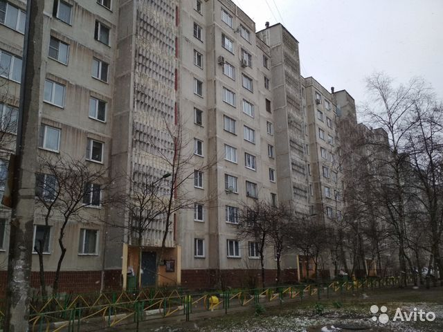 Продается трехкомнатная квартира за 3 300 000 рублей. Московская обл, г Серпухов, ул Ворошилова, д 167.