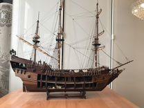 Модель корабля Чёрная жемчужина из дерева