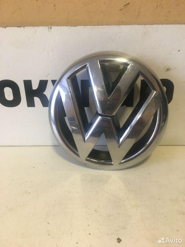 Эмблема решетки Volkswagen Jetta 6  89174474102 купить 1